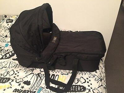 Mountain Buggy Swift Carrycot Black