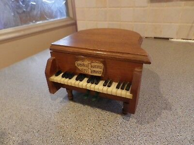 Fab Vintage Wooden Piano Design Box Containing Six Coasters 15.5 Cms Long