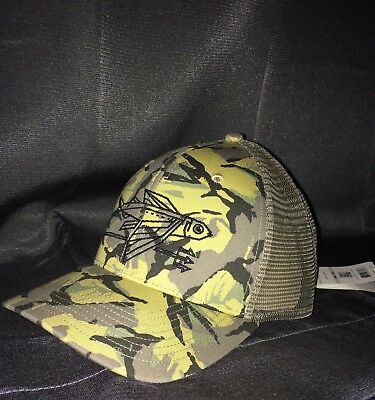 VERY RARE NEW W TAGS Patagonia Geodesic Flying Fish mesh hat in Camo NEW  MINT 882eb3d876f7