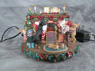The Danbury Mint A Cozy Christmas Eve CHIHUAHUA Family Lights UP