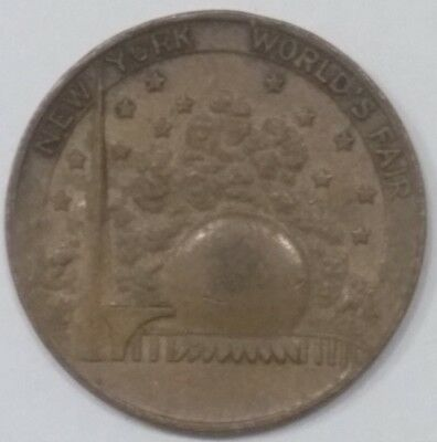 New York Worlds Fair Commemorative Coin 1939-1940