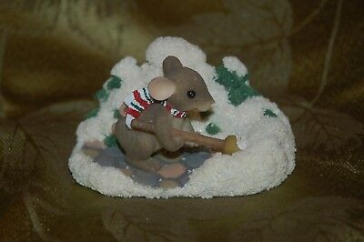Vintage Charming Tails Christmas Mouse Shoveling We Will Go Figurine Fitz Floyd