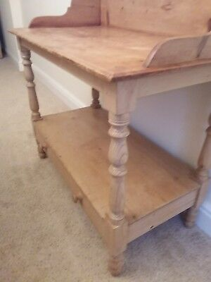 Lovely Vintage Rustic Pine Washstand with drawer