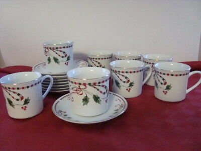 Home Essentials Holiday Christmas Holly Berries Tartan Ribbon 8 Cups & Saucers