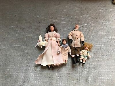 victorian syle dollhose people