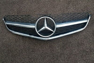 Mercedes Benz C W204 C63 AMG Front Radiator Grille A2048802483 GENUINE