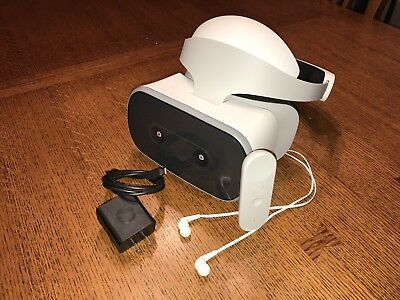 Virtual Reality - Lenovo Mirage Solo VR Headset with Daydream and Worldsense