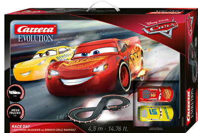 Carrera 25226 - Evolution chez Disney Pixar Cars 3 - Course Jour Piste