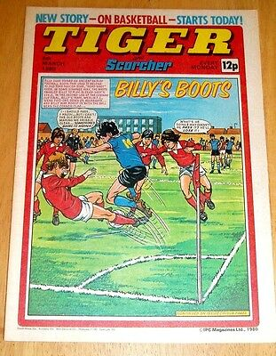 Tiger Comic 1980 With Ipswich Town Team Centrefold Poster & Joe Awome Poster