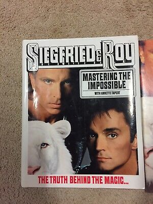 "Seigfried & Roy ""Mastering the Impossible"" Book plus 1991 programme from The Mir"