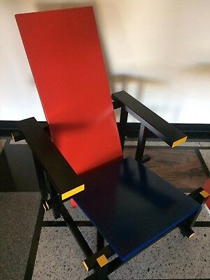 Cassina Rot-blauer Stuhl / Red and blue Chair Mondrian Kunst