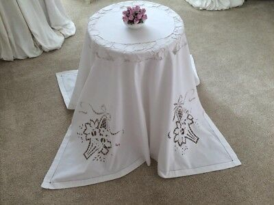 """Beautiful Vintage Hand Embroidered Hand Worked Cutwork Linen Tablecloth 54x58"""""""