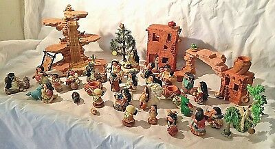 FRIEND OF THE FEATHER: lot of 32 Items: displays, figurines, ornaments ETC