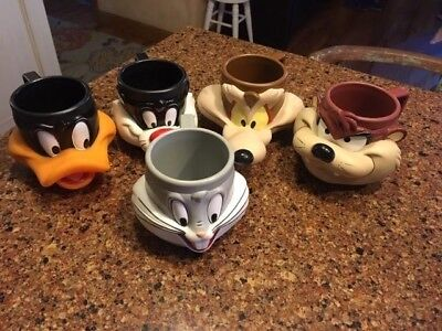 Five Vintage 1992 Looney Tunes 3D Mugs Daffy, Bugs, Taz, Sylvester, Wylie