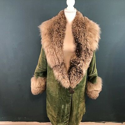 Vintage Ladies Green Velvet Raccoon Coat