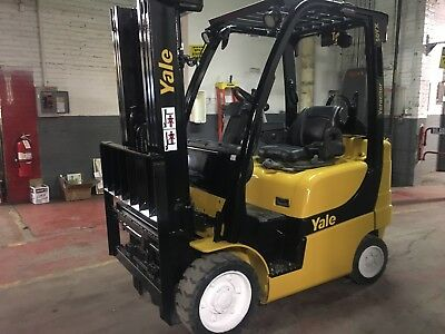 2011 Yale 5000 Lb Forklift with Side Shift and Triple Mast