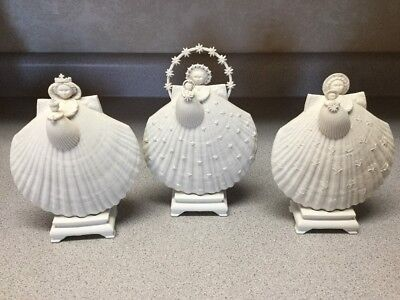 Complete Margaret Furlong 3 Year Madonna And Child Porcelain Ornament Stand