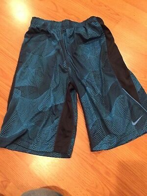 NIKE Boys Size Extra large XL Athletic Shorts With Pockets Excellent Condition