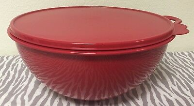 Tupperware Thatsa Bowl Red w/ Matching Seal 32 Cups New