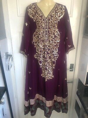 Salwar Kameez. Purple. Medium
