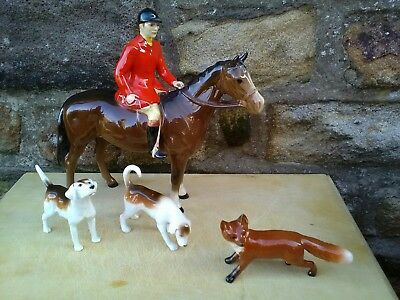 Beswick Brown Huntsman, 2 Foxhounds and Fox. Hunting Scene. Excellent condition.