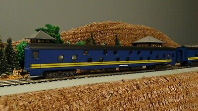 HO Scale  CN VIA RAIL  Sleeper Passenger Car  Lot E 10