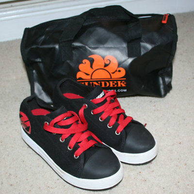 HEELYS SIZE UK 4 IMMACULATE CONDITION with BAG