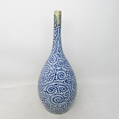 H878 Real old Japanese IMARI blue-and-white porcelain bud vase of TAKOKARAKUSA