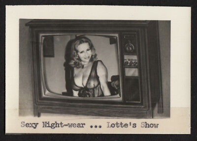 BODACIOUS TATAS HOUSEWIFE WOMAN NUDE on TELEVISION ~ 1960s VINTAGE PHOTO