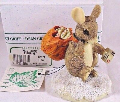 Charming Tails Figurine Mail Mouse Carrier Christmas  SIGNED