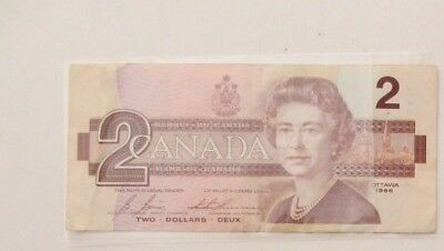 Canadian $2 Two Dollars Bill Note - 1986 in Good Circulated Condition