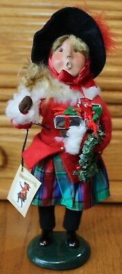 """Byers Choice Christmas Caroler Woman Victoria Holding Gifts Vintage 03 10"""" tall"""