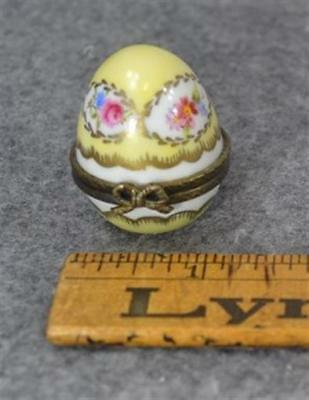 thimble case holder egg china porcelain hand painted  1.5 in. vintage