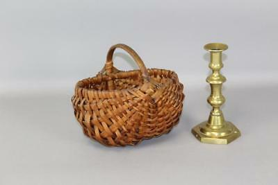 A Wonderful 19Th C Buttocks Type Splint Basket In Great Untouched Patina