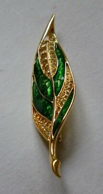 Vintage Goldtone Green Enamel Rhinestone & Filagree Accent Leaf Pin Brooch