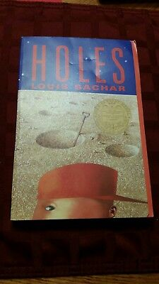 Newbery: Holes by Louis Sachar (2000, Paperback Book)
