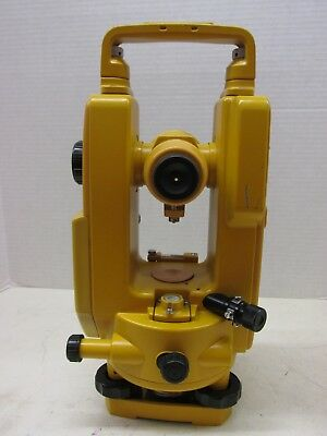 TOPCON DT-30P ELECTRONIC ENGINEERING SURVEYING DIGITAL THEODOLITE TRANSIT w/CASE