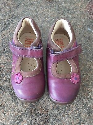 a7bb62c6e Clarks Girls Purple Leather Softly Sam First Shoes Size 6F EUR 22.5