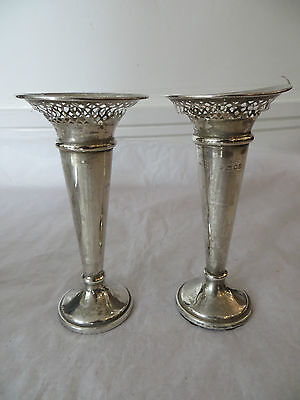 Solid Silver Pair of Small Vases 1916 Hallmarked Decorative Present Gift (ref78)