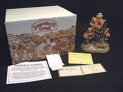 1985 David Winter Cottages Squires Hall with Box Orig UK Receipt, Paperwork, COA