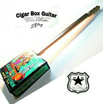 Cigar Box Guitar mod. Gallettes, 3 corde, pick-up piezoelettrico tastiera slide.