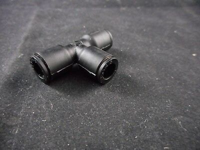 "LEGRIS Plastic LIQUIfit Push-to-Connect Fitting Union Tee 1/4"" Tube OD Black"
