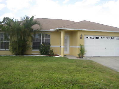 Pool home SW Cape Coral, 3bed, 2 bathrooms, 2car garage,fenced backyard & heater