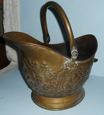 ANTIQUE! Ornate Brass Coal Scuttle Hod Bucket Hammered Dovetailed Flower Decor