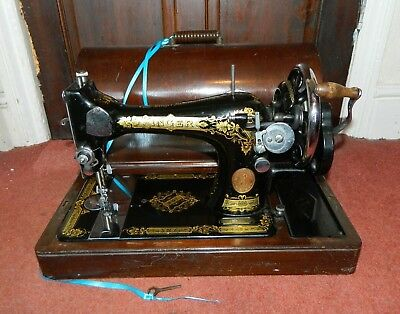 Vintage Singer 28K Heavy Duty Sewing Machine in Case with Key 1933 VGC