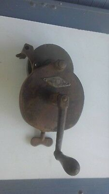"""Vintage Niagara No.3 Clamp On Benchtop Hand Cranked Grinder With New 6"""" Wheel."""