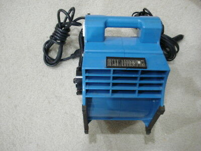 12 Volt Blue Blower with about 20' Cord 12 volt cigarette lighter socket and AC