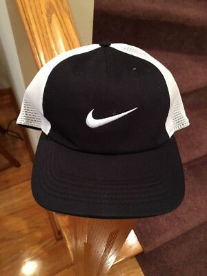 NWT Nike Mens AeroBill Heritage 86 Mesh Adjustable Hat Black/White 919828-010