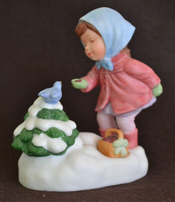 Vintage Avon We Wish You A Merry Christmas Musical Figurine 1986
