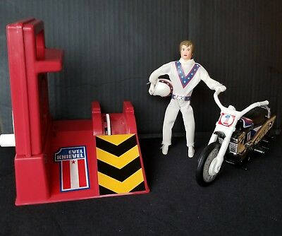 1973 EVEL KNIEVEL STUNT CYCLE w/ FIGURE & GYRO-ENERGIZER... CLEAN - WORKS!